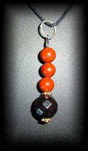 PENDENTIF JASPE ROUGE+HEMATITE FACETTE (10 gr/3cm)