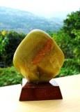 OPALE VERTE SUR SOCLE (120 gr/6.2cm)