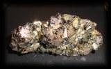 PYRITE CRISTAUX(367gr/ 9cm)