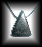 PENDENTIF CHROMITE (20 gr/ 3.5 cm)