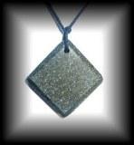 PENDENTIF CHROMITE3 (24 gr/ 4 cm)