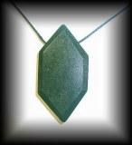 PENDENTIF CHROMITE BITERMINE(50 gr/6.3 cm)